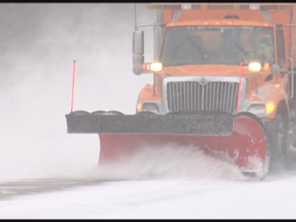 Southeast Indiana prepares for snow as full call for plow trucks issued