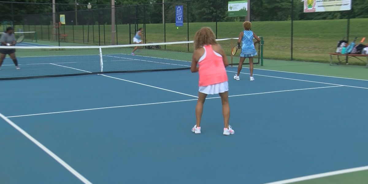 Community raises funds for Chickasaw Park tennis courts, allowing tournament to take place