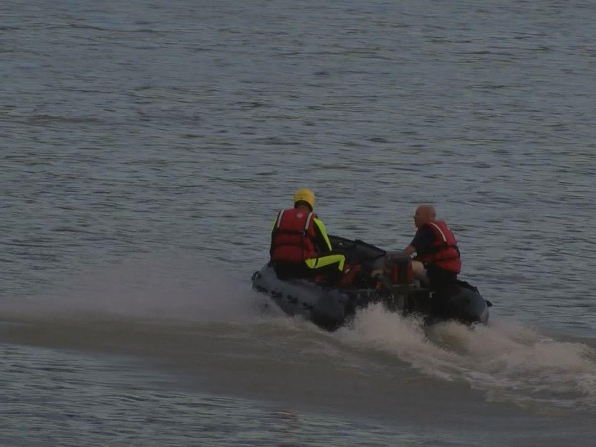 Clarksville Fire describes diver's heroic rescue of boat crash survivor