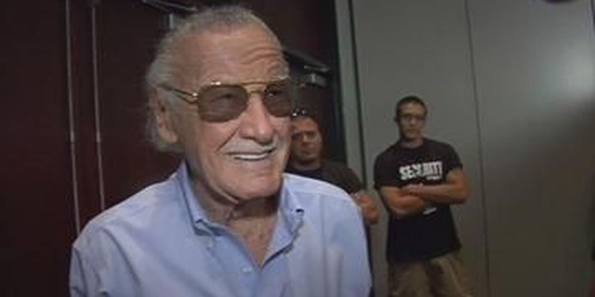Stan Lee makes appearance at FandomFest 2013