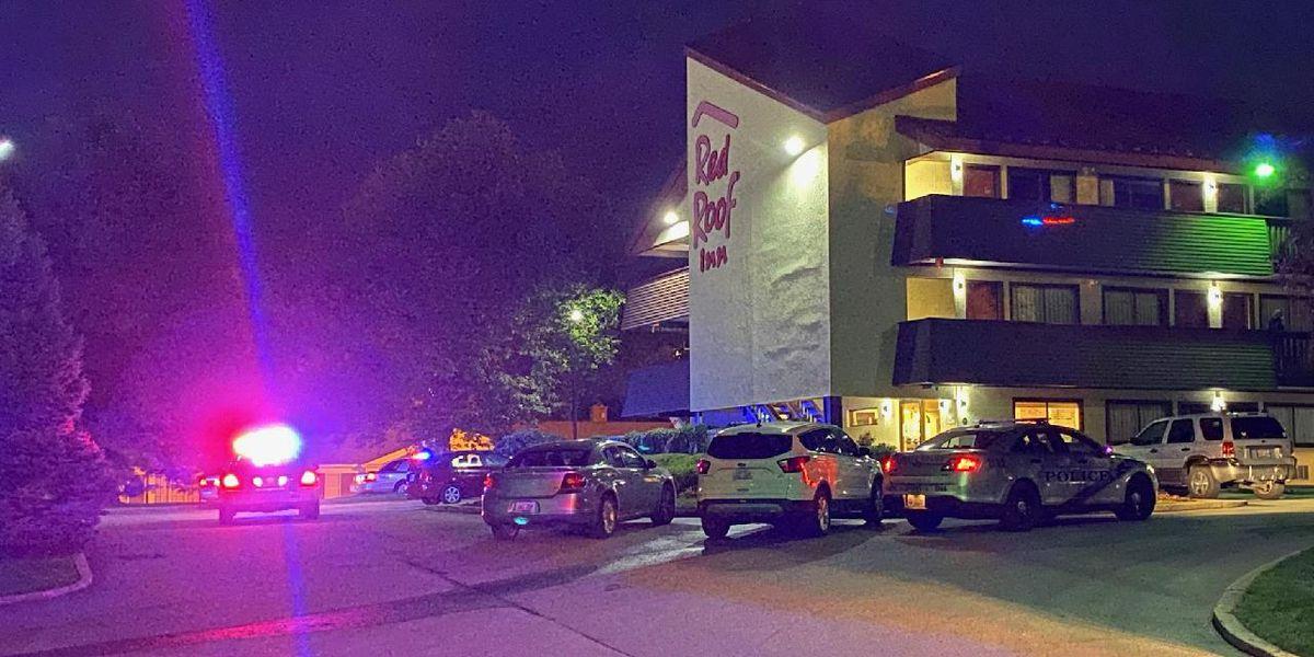 3 shot at Louisville hotel