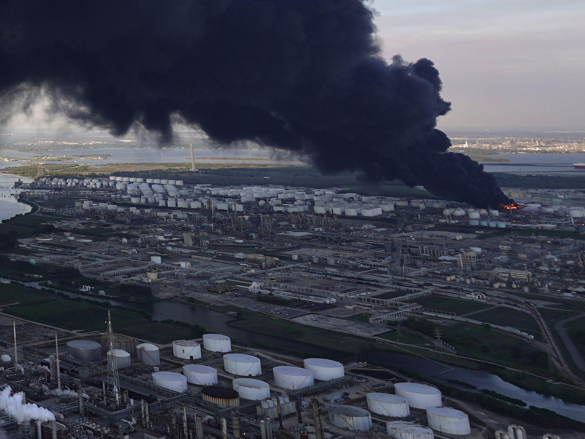 Blaze extinguished at Texas petrochemicals facility