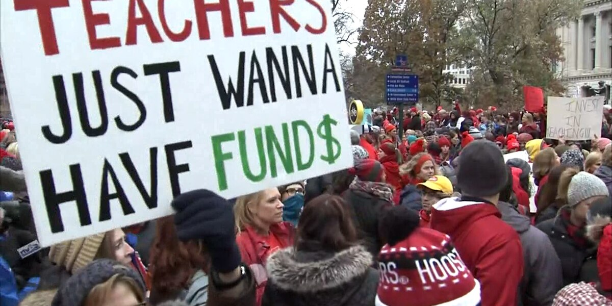Many Indiana schools closed as teachers demand higher pay