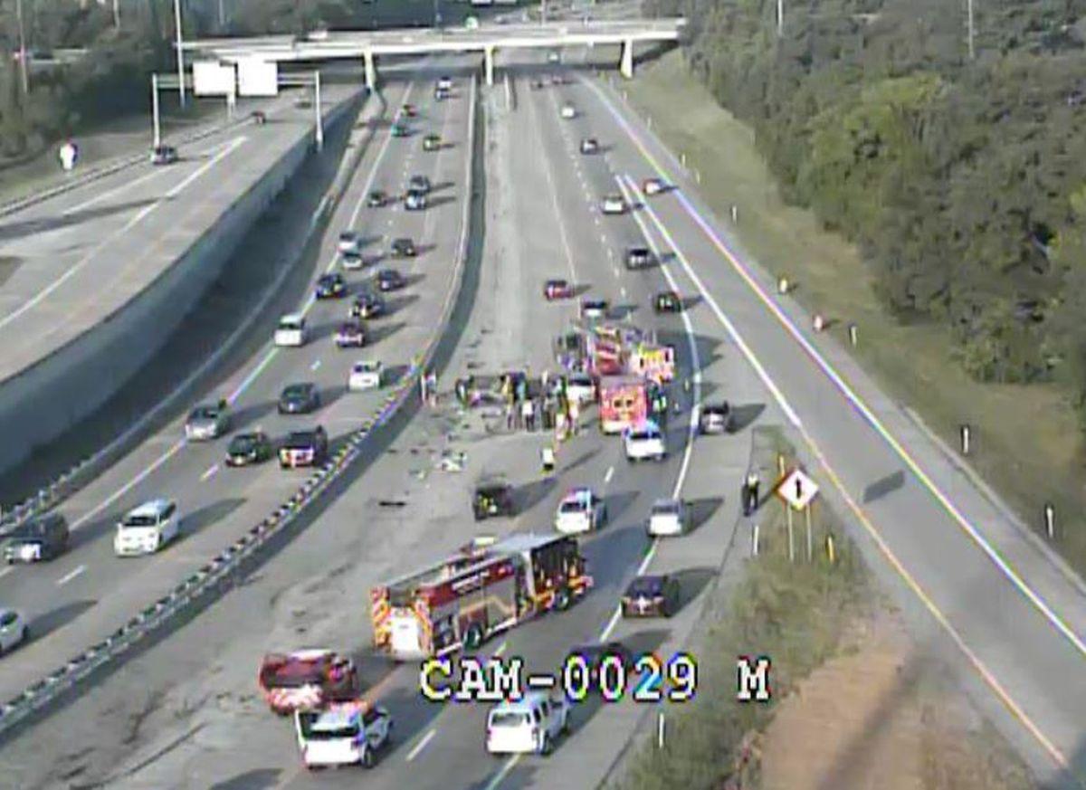 Lanes on I-64 near Watterson Expressway reopen following crash