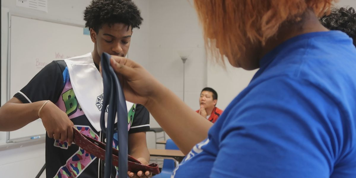 Hundreds of ties donated to JCPS seniors who need them for graduation