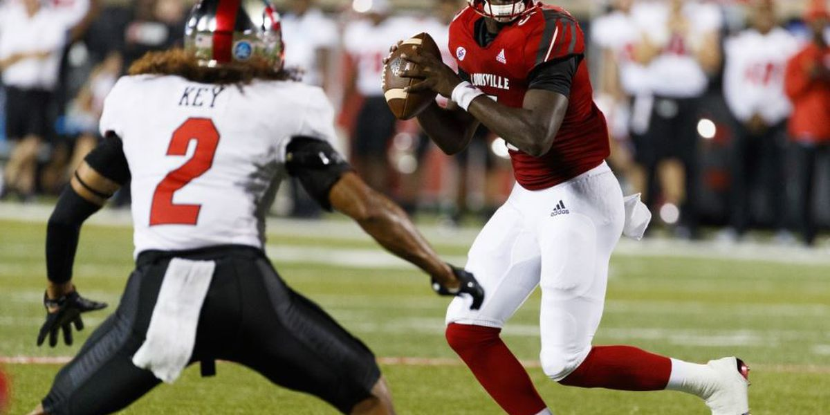 Cunningham leads Cards to 38-28 Music City Bowl win over Mississippi State