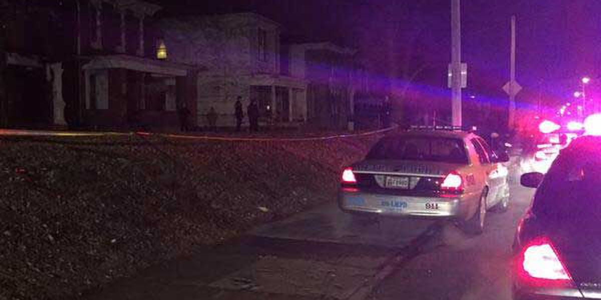 Homicide detectives respond to deadly shooting in Portland neighborhood