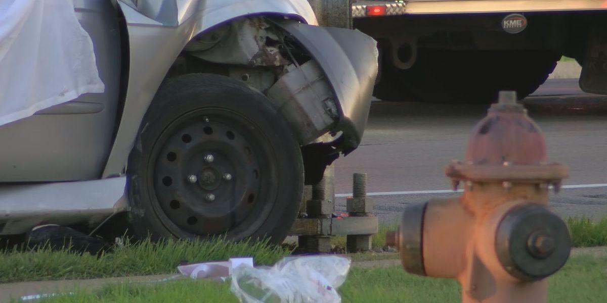 2 dead in crash on Valley Station Road