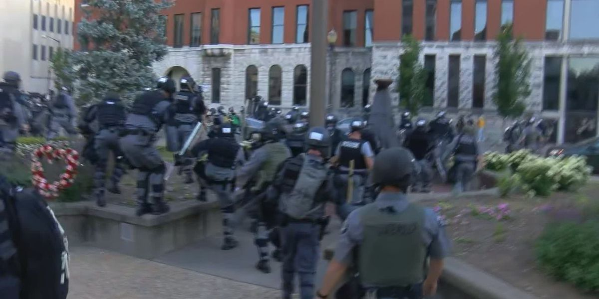 40+ arrests made during 4th night of protests in Louisville
