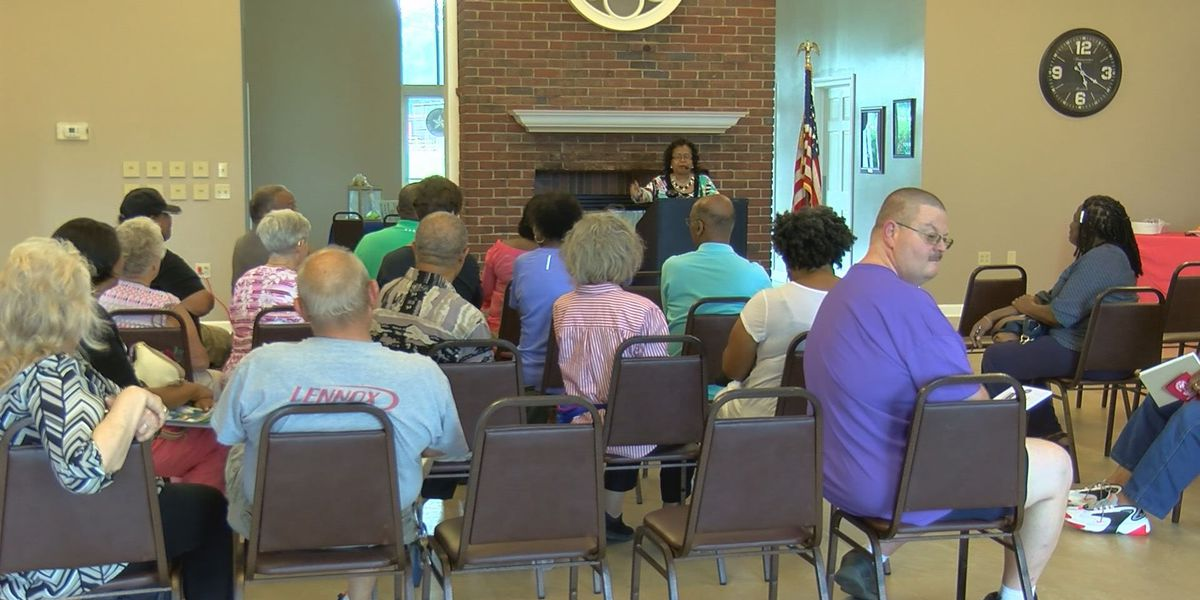 Shively mayor attends first town hall meeting