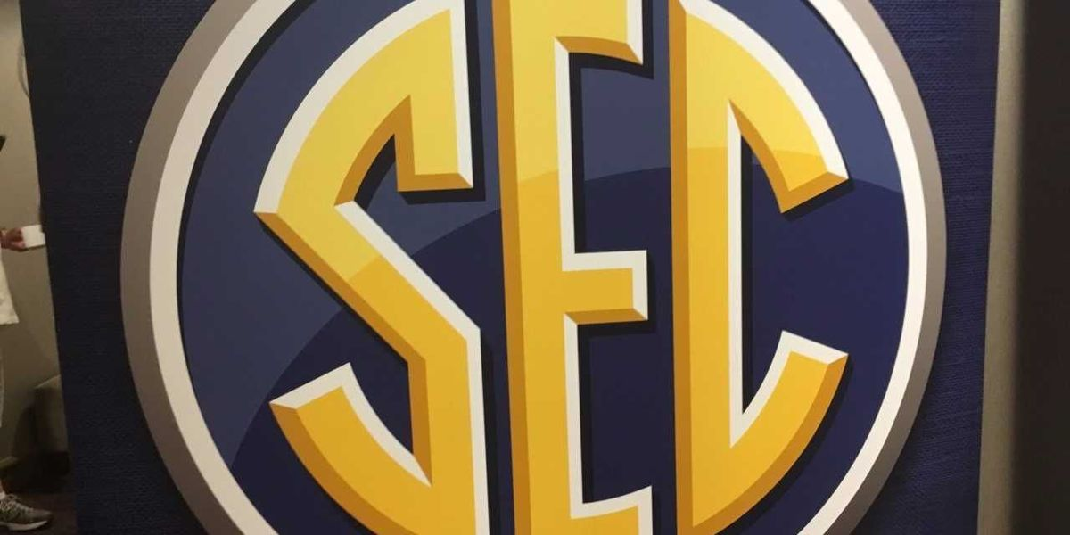 SEC sanitizing basketballs, benches in wake of coronavirus