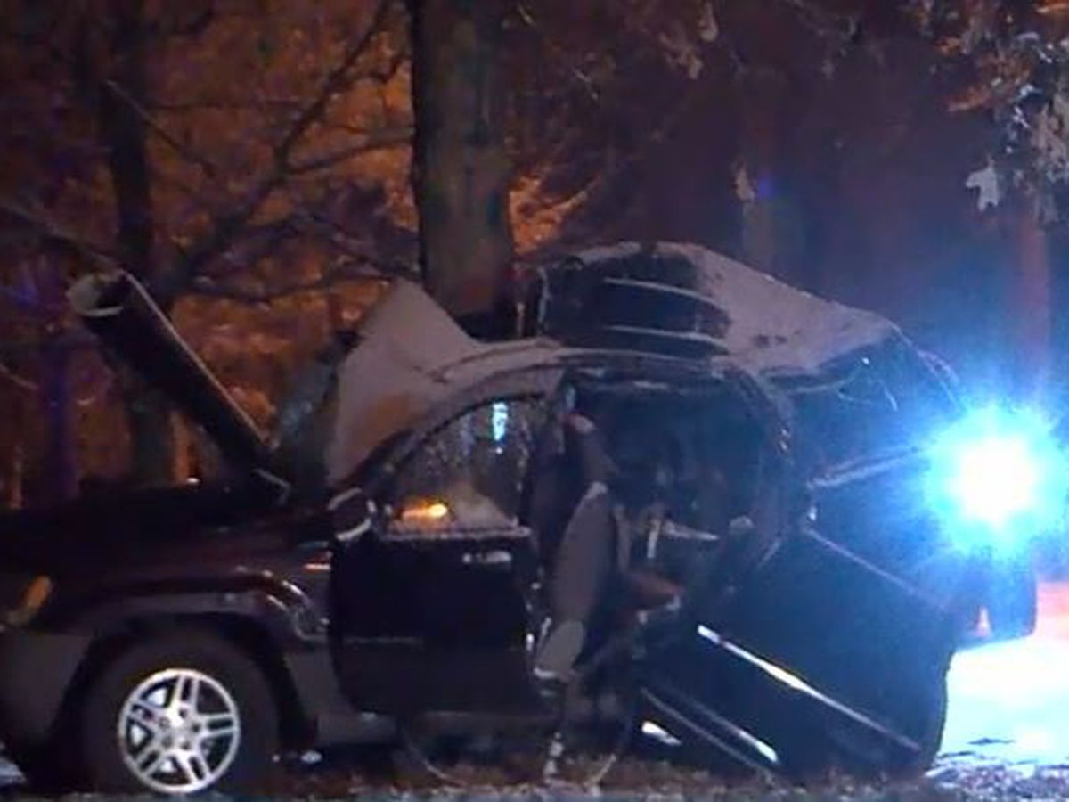 2 juveniles dead, 1 injured following crash in stolen SUV