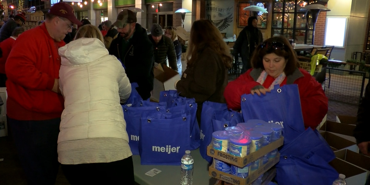 Boxes of Love prepares Christmas meals for families in need