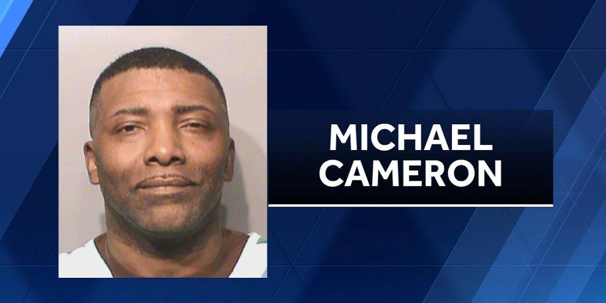 Iowa pastor charged with child endangerment after shooting at daughter, police say
