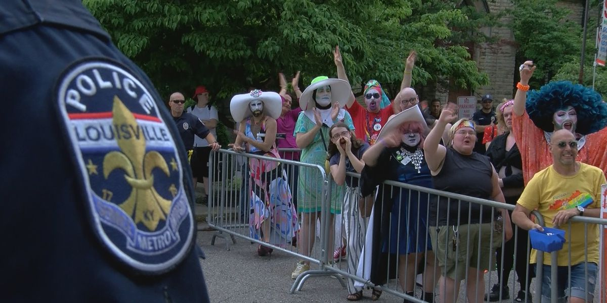 Drag Queen Storytime plagued by protesters outside Main Library
