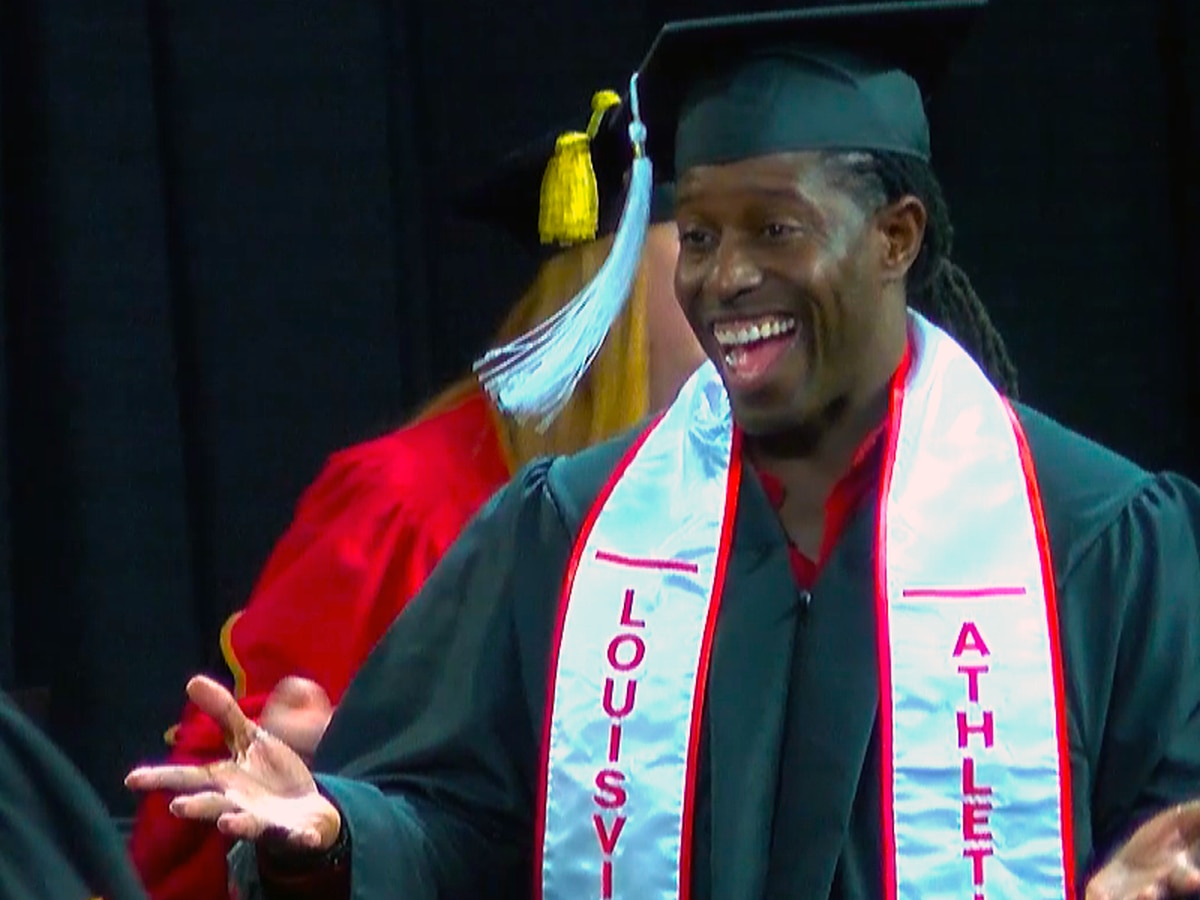 Former Cardinals, NFL star Deion Branch earns degree from UofL