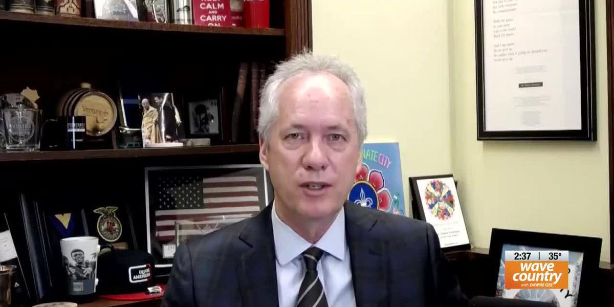 WATCH LIVE @ 10:00 : Louisville mayor Greg Fischer hosts town hall Q&A