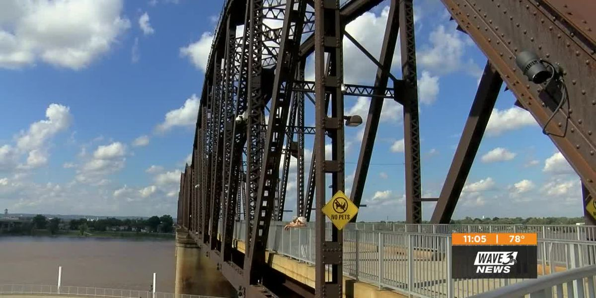 Big 4 Bridge: Water damage leaves light display's future uncertain