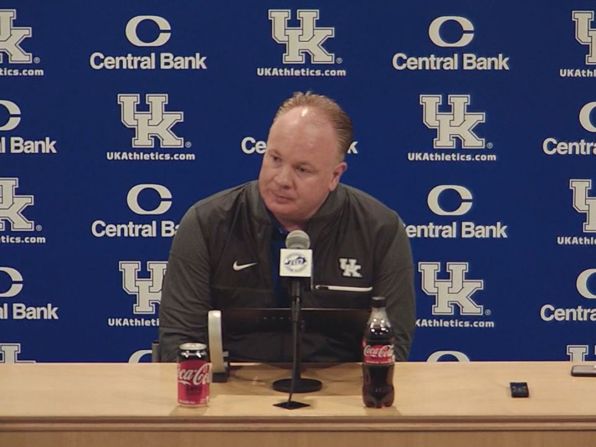 UK's Stoops Not Happy After First Scrimmage