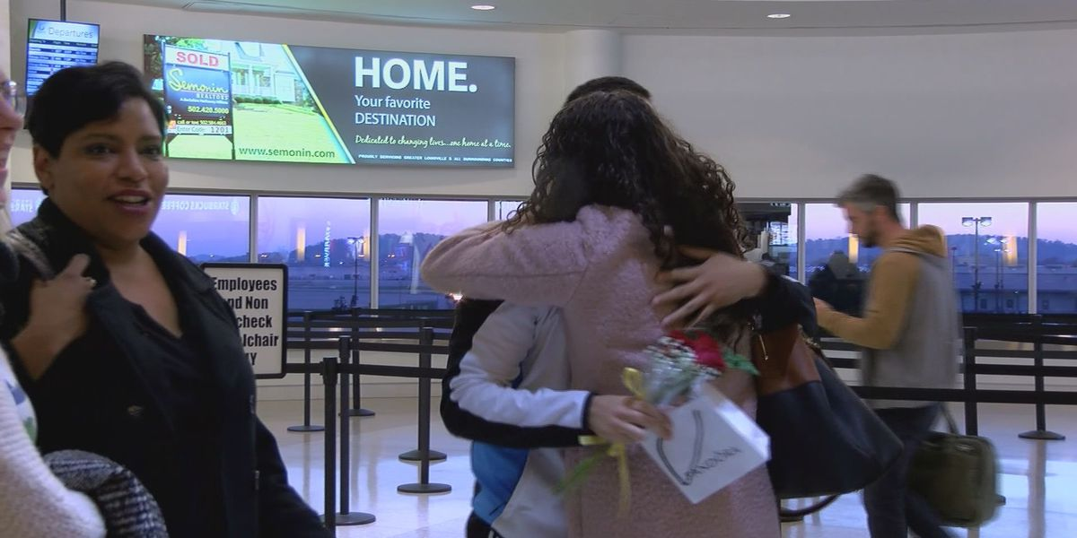 Hundreds of loved ones reunite for Thanksgiving holiday