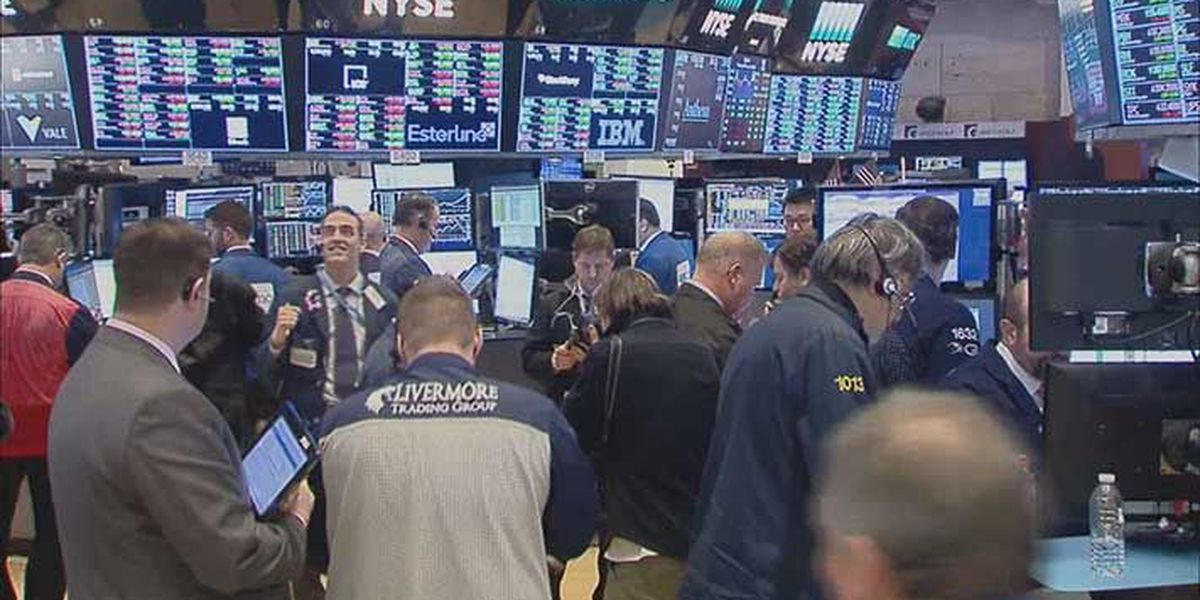 Louisville investment experts: Don't panic about the stock market