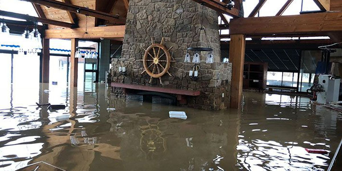 WAVE 3 News gets tour of flooded Captain's Quarters by boat