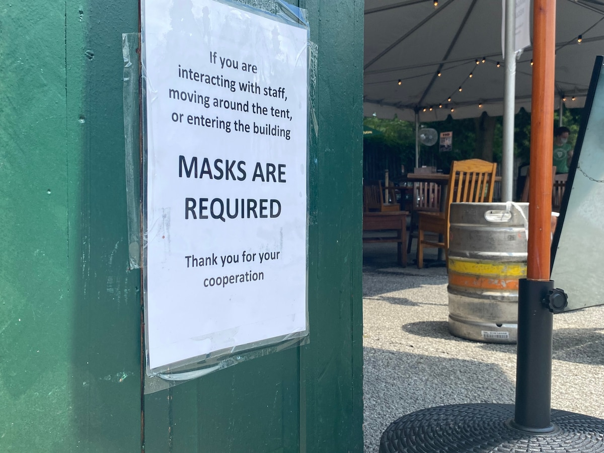 Local restaurant says enforcing mask mandate is challenging