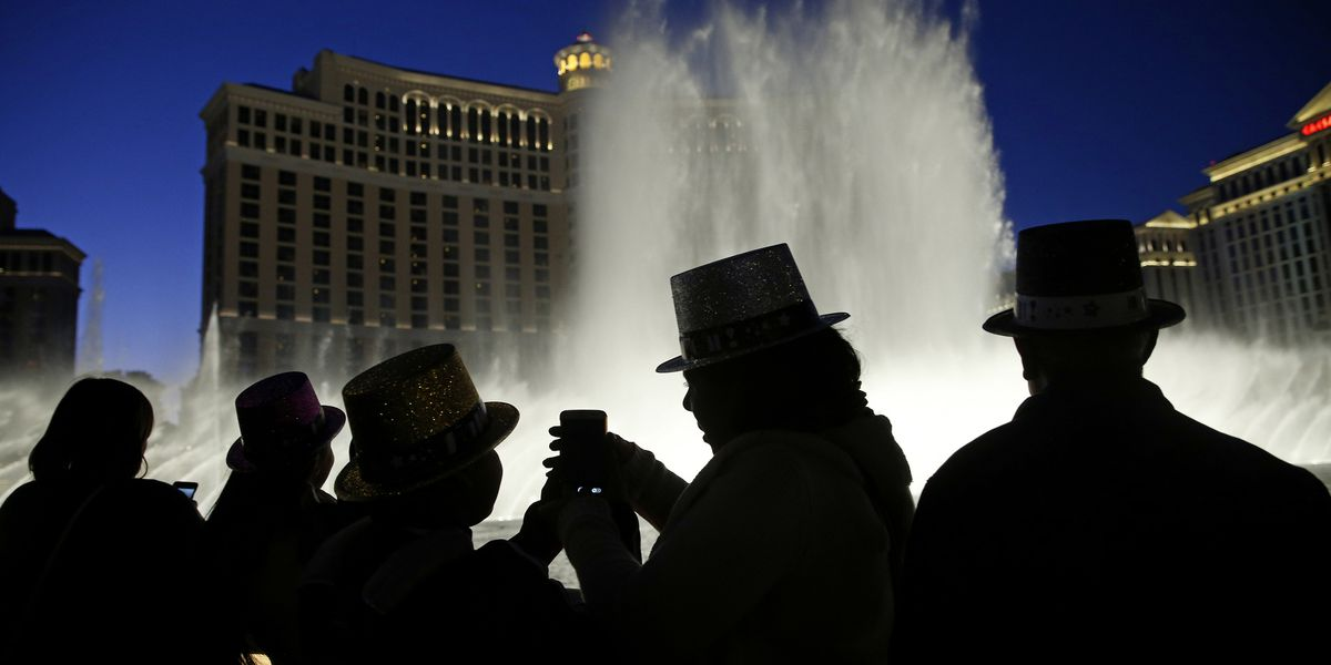 Las Vegas to welcome 2019 with superstars, fireworks show