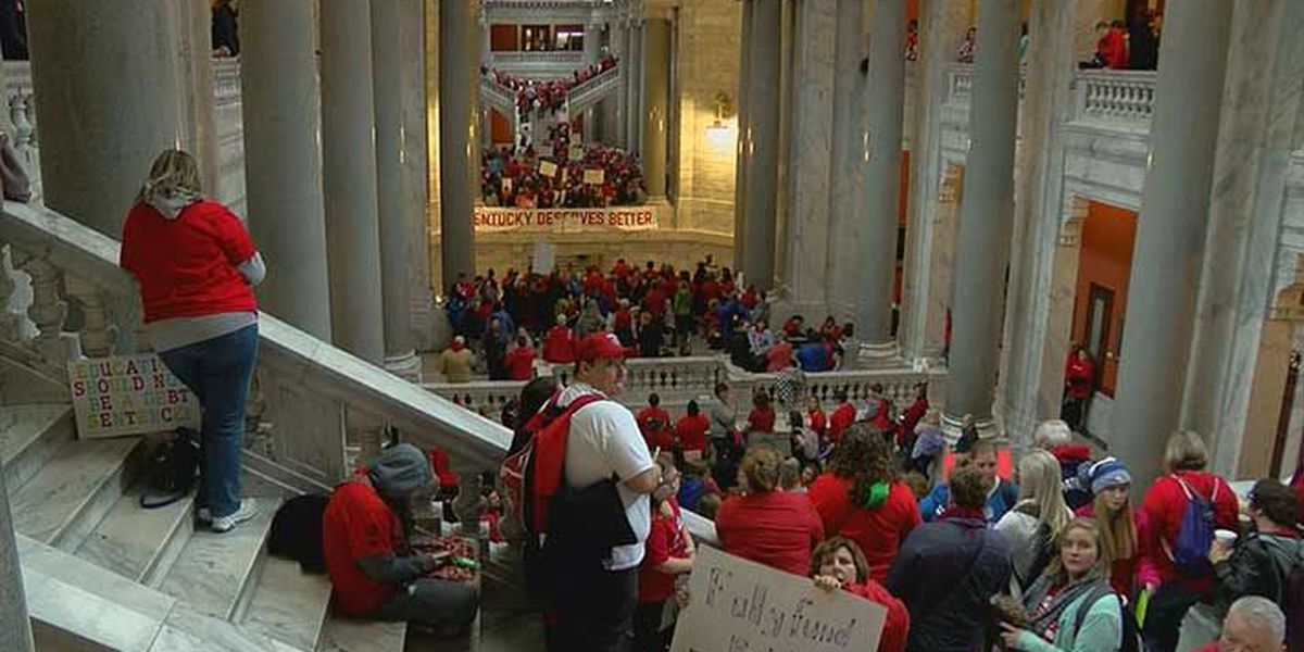 Several districts call off school Friday so teachers can protest in Frankfort