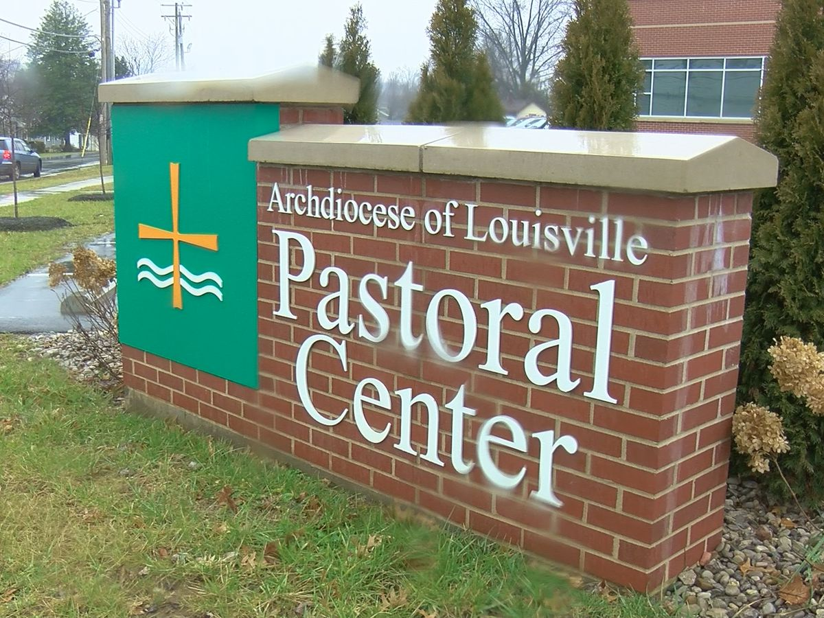 Louisville Catholic schools returning to classes despite Beshear's recommendation