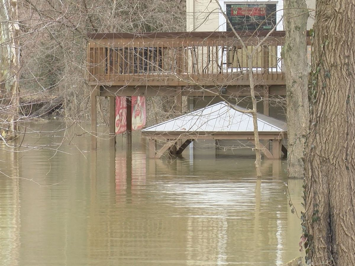 As the Ohio River rises, businesses are forced to close