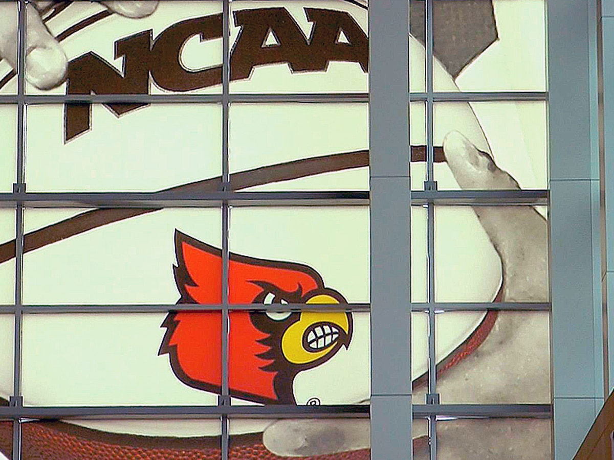 2 members of UofL basketball program test positive for coronavirus