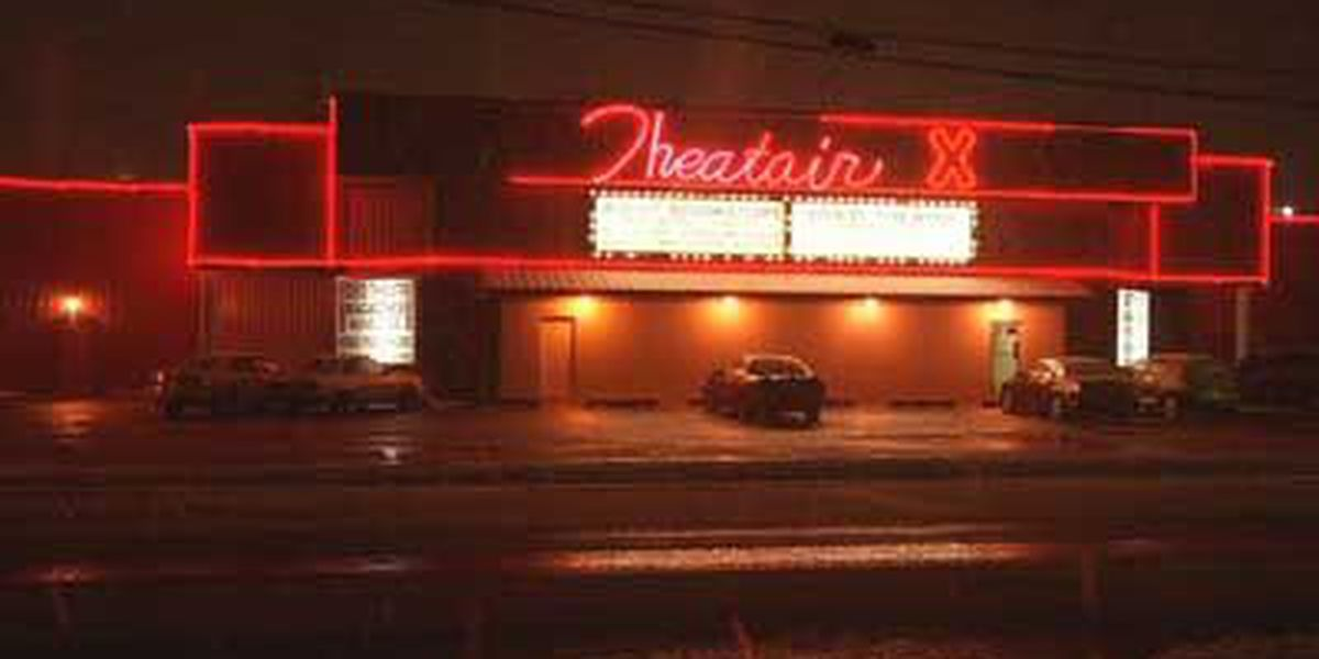 Clarksville adult bookstore and theater fighting to keep business license
