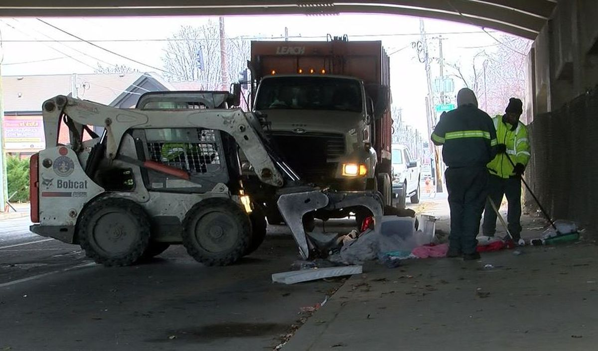 City crews clean up homeless camps in downtown Louisville
