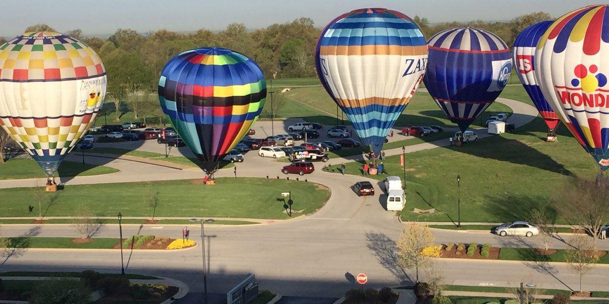 Hot air balloons race across Louisville