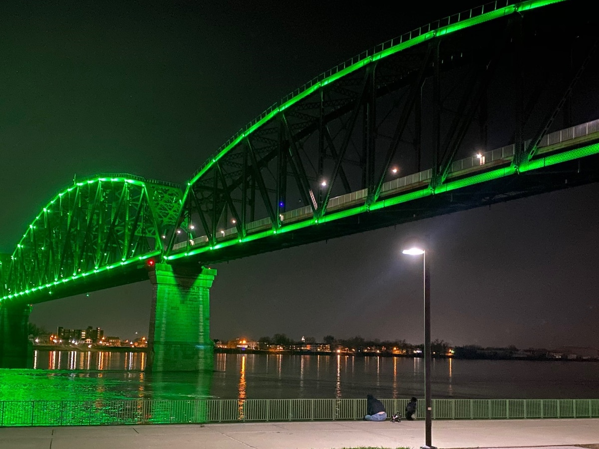 Color of Big Four Bridge lights to inspire hope and resilience