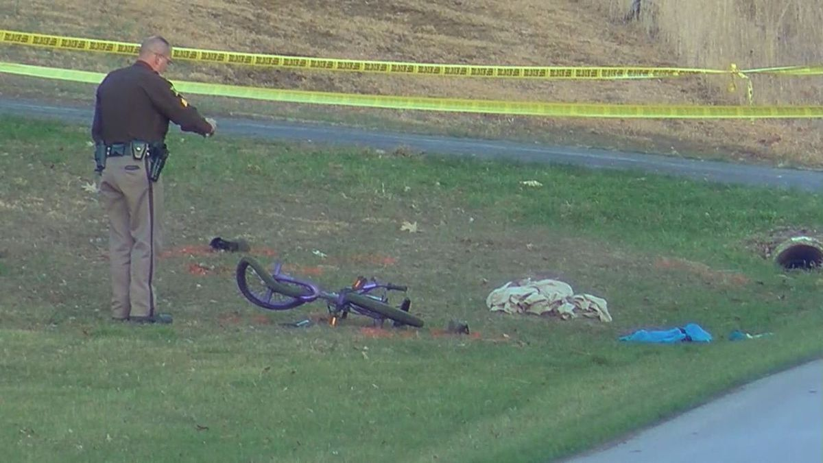 11-year-old boy on bicycle hit by car in Grayson County