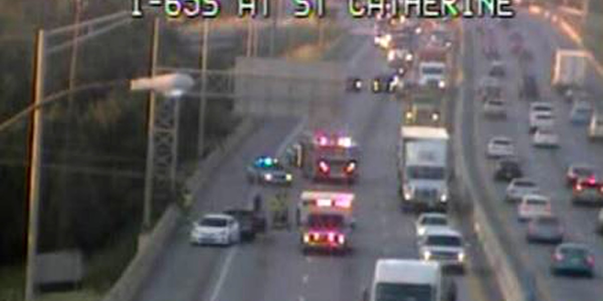 3-vehicle crash on I-65N near downtown causes backup to the Watterson