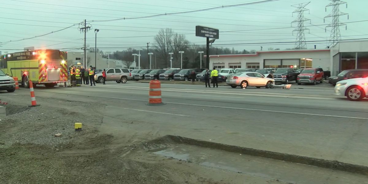 Pedestrian hit during multiple vehicle crash on Dixie Highway