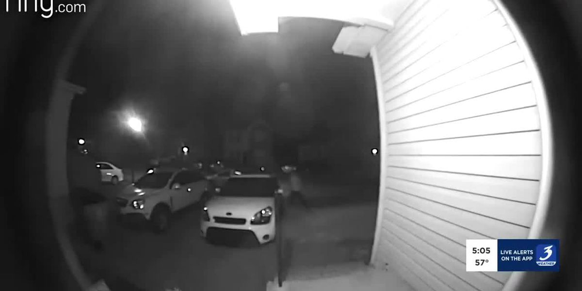 Doorbell cameras show car full of people driving around looking for unlocked cars