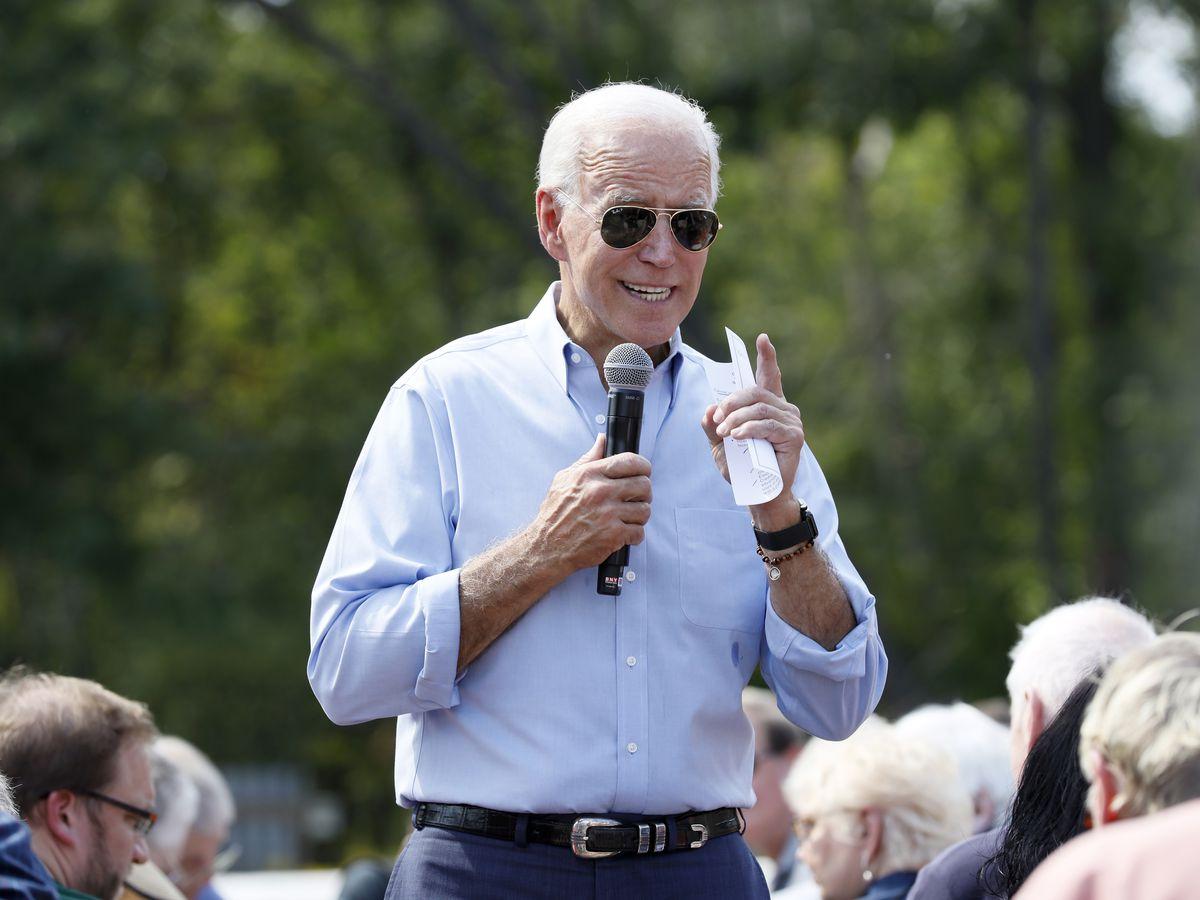 Steak, beer and politics: 2020 Democrats descend on Iowa
