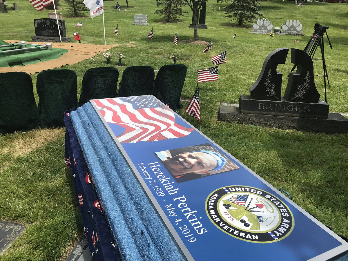 Hundreds pay respects as Korean War veteran with no immediate family laid to rest
