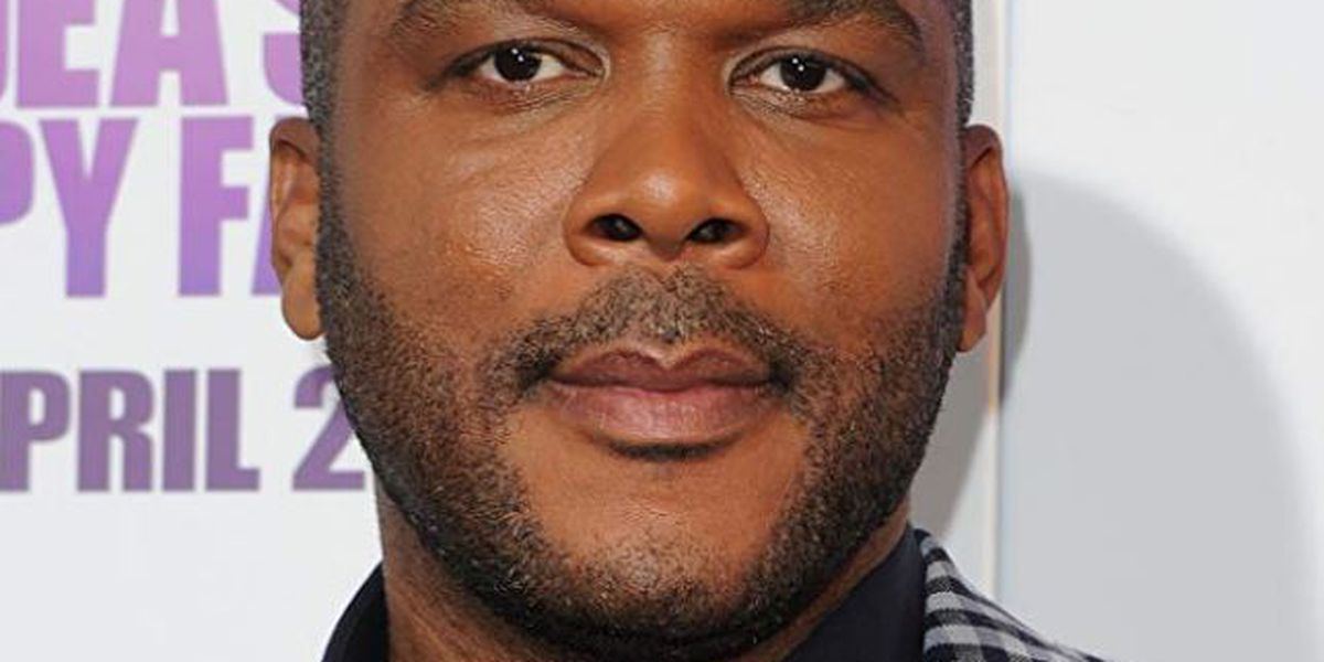 Tyler Perry spends more than $400K to pay off holiday shoppers' layaways