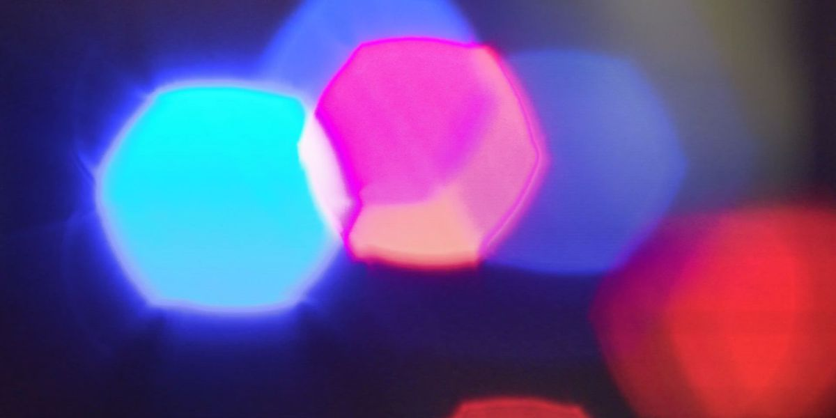 1 killed in crash on I-64 in Louisville