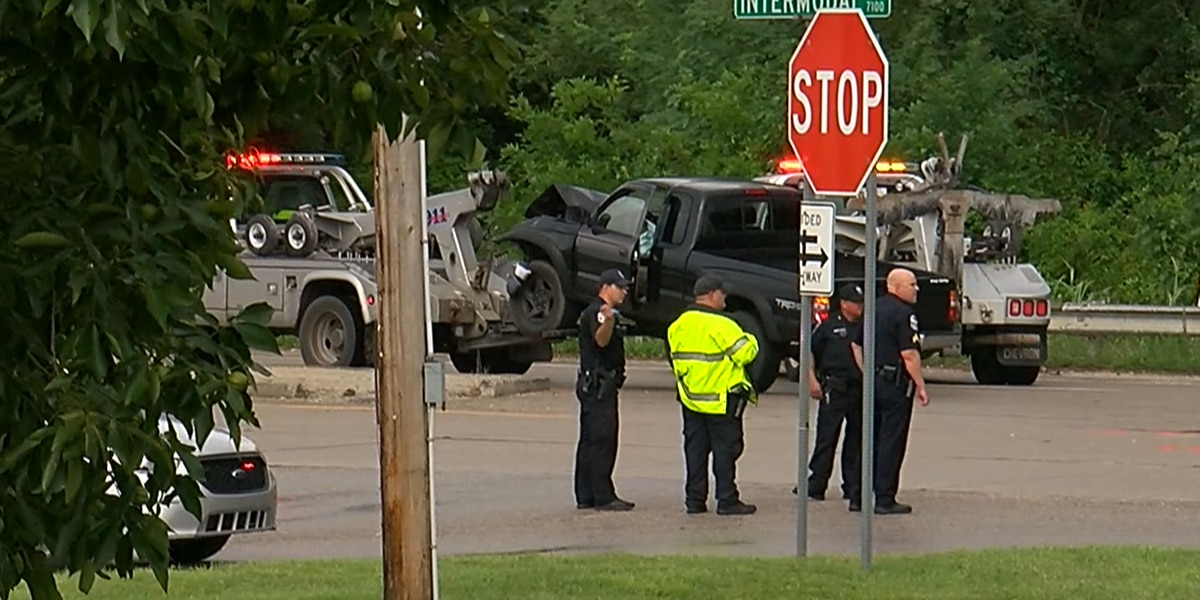 Driver killed in injury crash on Greenbelt Hwy. identified, 2 others hospitalized