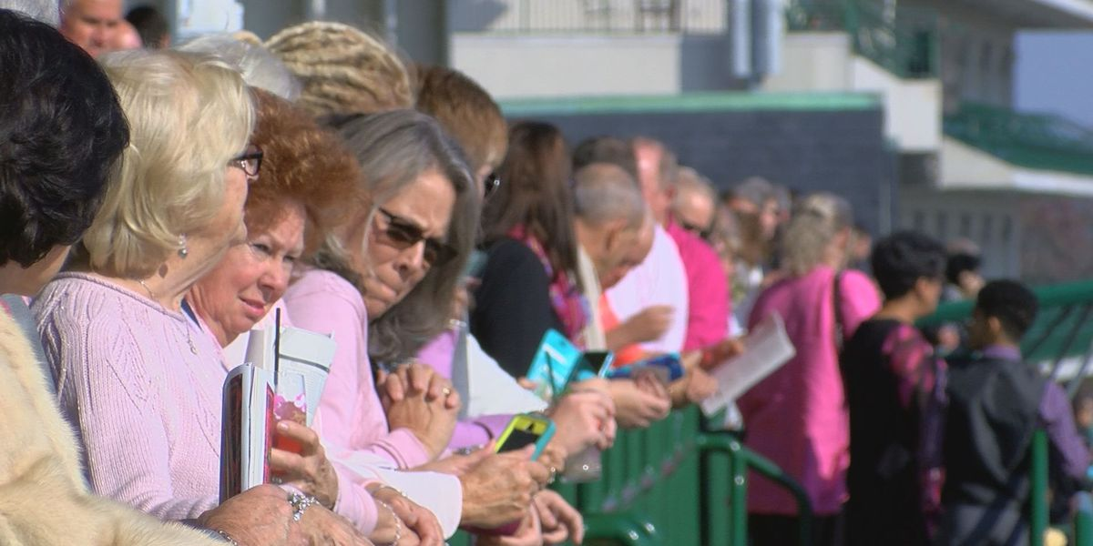 Horses and Hope hosts race day at Churchill Downs