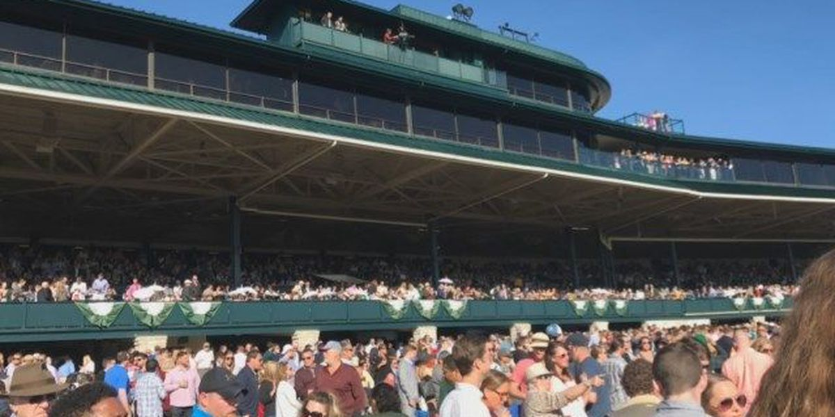 Horse racing back at Keeneland for fall meet