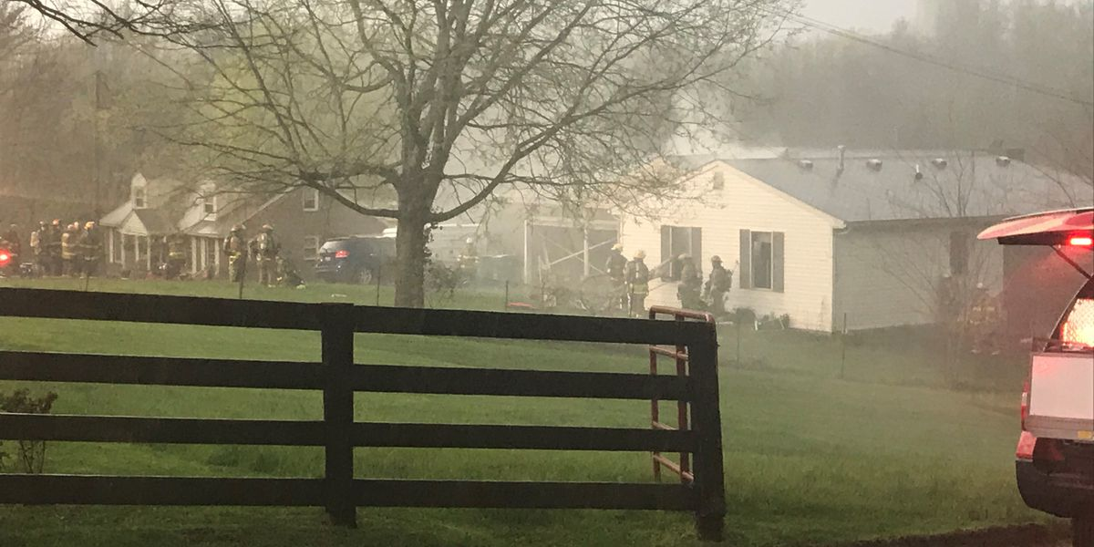2 firefighters injured in Fisherville fire