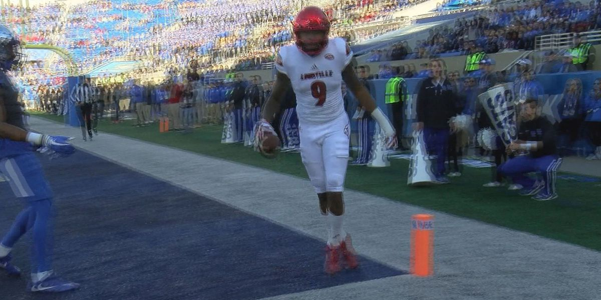 Petrino still hopes to have Jaylen Smith for the opener