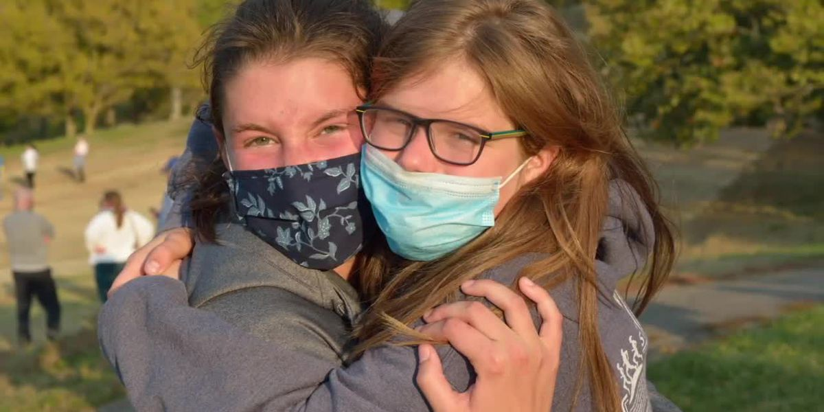 High-school girls forge friendship during long-distance 'buddy' races